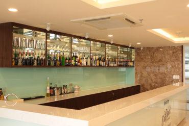 Khu vưc nhà hàng nằm trong Sulyna Hotel