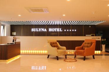 Sulyna Hotel tọa lạc tại tầng 5 Tòa nhà Con tàu tri thức HIU