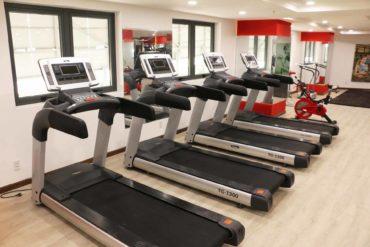 Hệ thống máy chạy bộ tại phòng Gym HIU