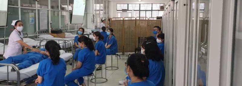 Sinh viên HIU quay lại trường lớp sau dịch covid-19