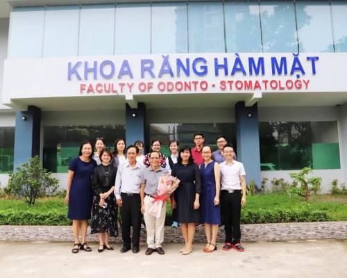 Lễ công bố và trao Quyết định bổ nhiệm Trưởng bộ môn Nha khoa Cơ sở cho NGND. GS. TS. BS. Hoàng Tử Hùng