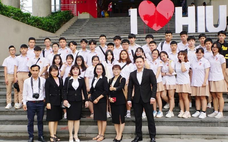Học sinh iSchool Quy Nhơn trở thành khán giả đặc biệt của Talkshow Cafe Hướng nghiệp kỳ 3