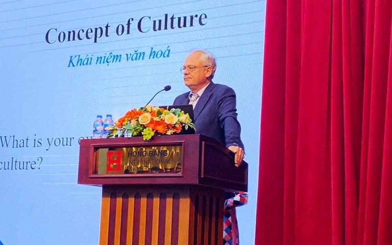 Sinh viên HIU khám phá và định hình bản sắc cá nhân trong thời kỳ hội nhập văn hoá