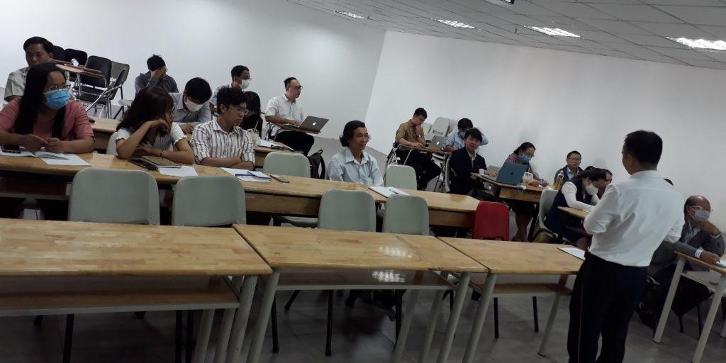 Đại học Quốc tế Hồng Bàng – Phòng QLKH tổ chức buổi hướng dẫn thực hiện đề tài NCKH cấp Trường (đợt 3)
