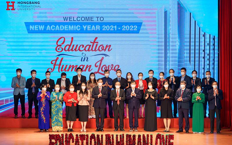 Đại học Quốc tế Hồng Bàng tổ chức Lễ khai giảng năm học 2021-2022